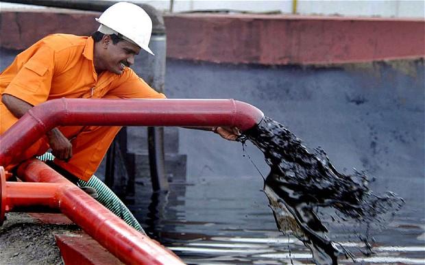 11 стран вне ОПЕК сократили добычу нефти вдвое менее обещанного