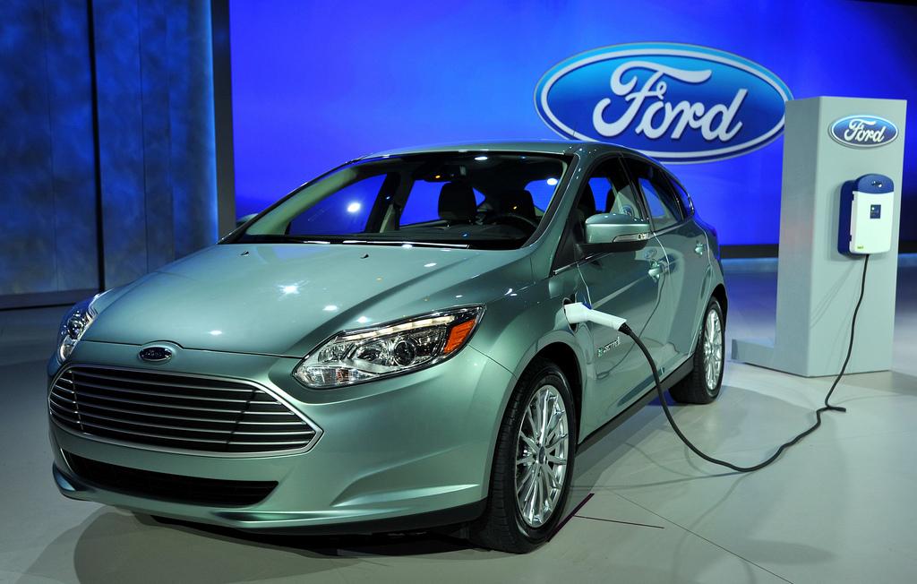 Форд выпустит навсе 100% электрический вседорожный автомобиль к 2020г