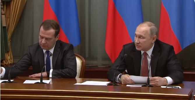 Путин поручил изучить вопрос создания центров хранения СПГ на далеком Востоке