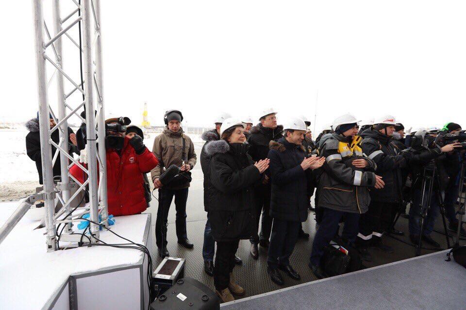 Медведев прибыл встолицу ХМАО ипровел закрытую встречу сгубернатором