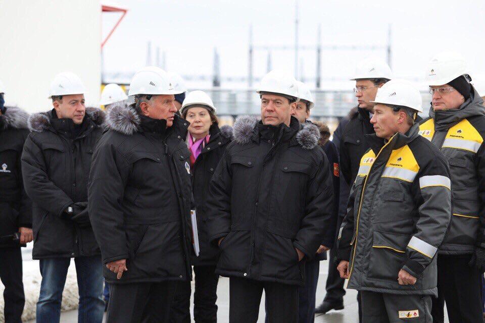 Д. Медведев ввел вэксплуатацию пусковой комплекс Эргинского кластера